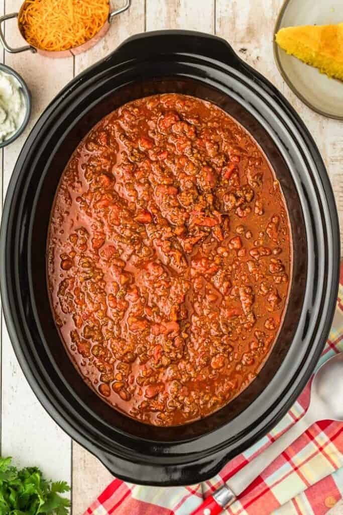 cooked gluten free chili in a crock pot