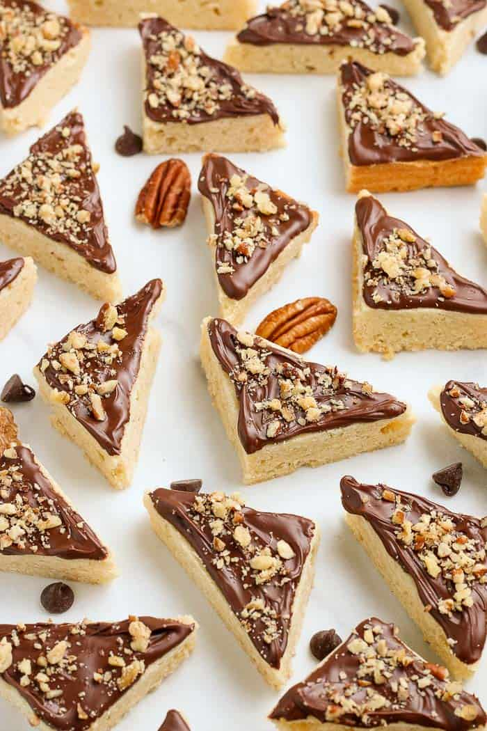shortbread cookie triangles with pecans