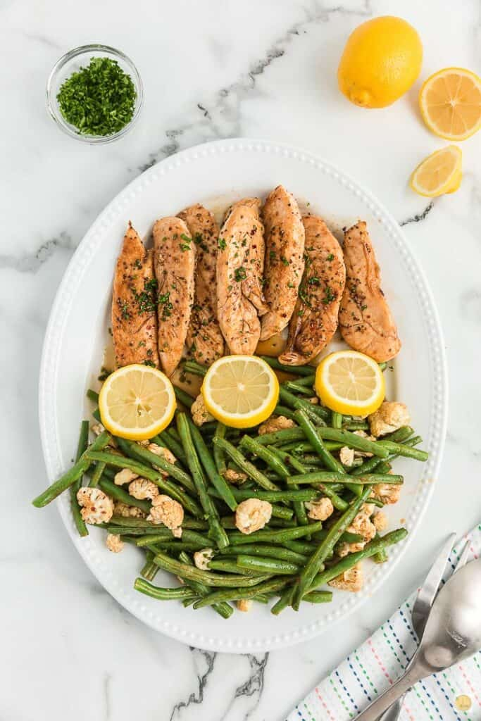 platter of chicken and green beans