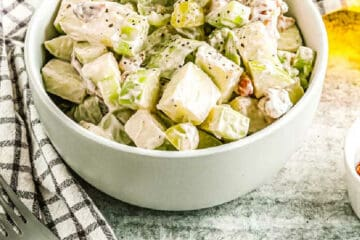 bowl of waldorf salad